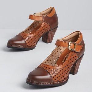 ModCloth Mary Jane heels